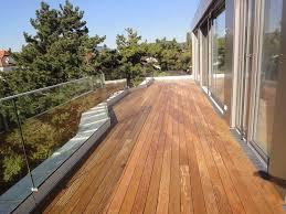 holzbelag balkon holzterrassen wohngesund
