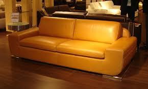 un canapé comment acheter un canapé cuir caramel pas cher canapé