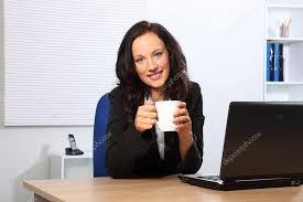 image pause café bureau pause café pour femme au bureau photographie darrinahenry
