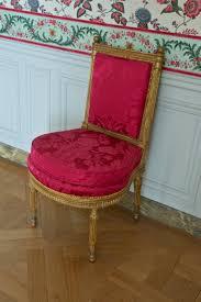 Chaise Salle A Manger Rouge by File Chaise Violon Salle à Manger Petits Appartements De La Reine