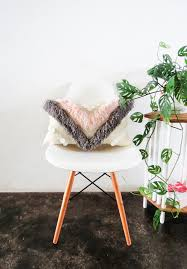 Top Diy Home Decor Blogs Diy Yarn Fringed Throw Pillow Sugar U0026 Cloth Diy Home Decor