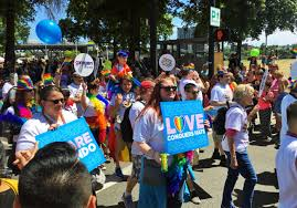 thousands turn out for portland pride parade