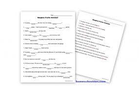 free homophone practice worksheet to two too there they u0027re their