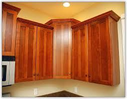 Kitchen Cabinet Crown Molding by Kitchen Cabinet Crown Molding Ideas Home Design Ideas