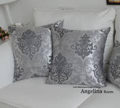 taie d oreiller pour canapé housse de coussin de style baroque argent taie d oreiller pour