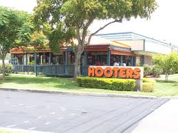 misting system by outdoor cooling systems at hooters in sunrise
