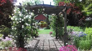 where are the most beautiful gardens in georgia glen ella