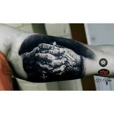 praying hands tattoo for girls praying hands with rosary tattoo best tattoo ideas gallery