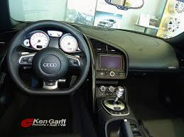 audi r8 gauges white on audi r8 v10 2011 someone can help me