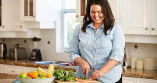 femme qui cuisine grande bretagne des cours de cuisine contre l obésité docdunet