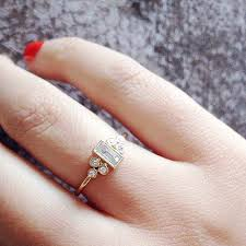 dainty engagement rings best 25 dainty engagement rings ideas on anillo de