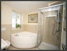 badezimmer mit eckbadewanne schönes zuhaus und moderne hausdekorationen acryl eckbadewanne