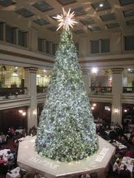 Macy S Christmas Decorations Chicago U0027s Marshall Fields Christmas Tree Huge And Magical The