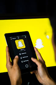home design story christmas update snapchat introduces new design that splits social and media time