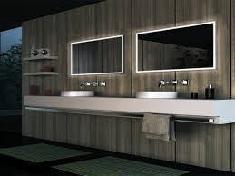 Backlit Mirror Bathroom by The 25 Best Backlit Mirror Ideas On Pinterest Backlit Bathroom