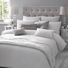 weiße schlafzimmer schlafzimmer komplett in weiß einrichten ruhe und entspannung finden