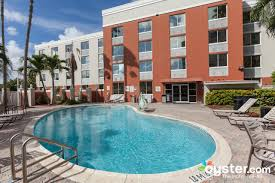 Trump Apartments 100 Palm Gardens At Doral Meanwhile Out In The Suburbs