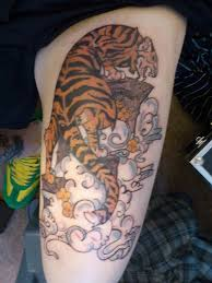awesome color ink tiger on leg