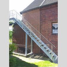 stahl treppe stahltreppe aussentreppe mit gitterroststufen und edelst