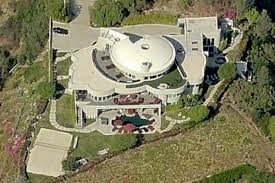 hollywood tour buses keep lying about this house curbed la