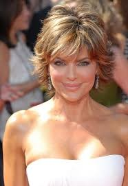 how to get lisa rinna hair color hairstyles lisa rinna highlighted wispy cut sophisticated
