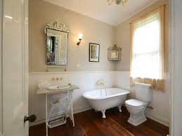 bathroom setting ideas setting vintage furniture for the country bathroom ideas