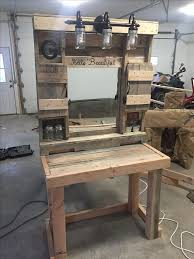 Makeup Vanity Seat Best 25 Pallet Vanity Ideas On Pinterest Diy Makeup Vanity