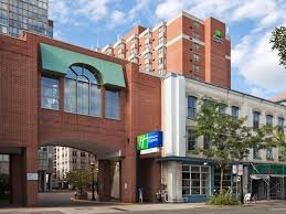 lexus toronto downtown holiday inn express toronto downtown hotel by ihg