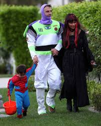 Outrageous Halloween Costumes 10 Outrageous Celebrity Halloween Costumes