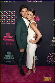 dierks bentley wedding elle king joins duet partner dierks bentley at cmt awards 2016