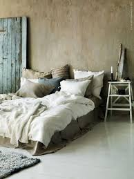 Versatile Rustic Decor Pieces For Your Home - Rustic bedroom designs