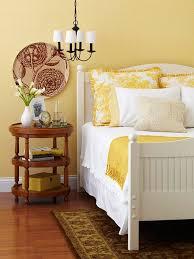 yellow bedroom decorating ideas best 25 yellow walls bedroom ideas on yellow bedrooms