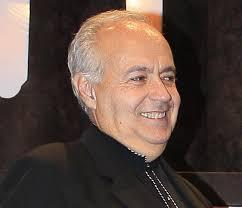 José Luis Moreno pasó de ser ventrílocuo a convertirse en el director de los programas que presentaba con su peculiar estilo y posteriormente en productor y ... - jose-luis-moreno