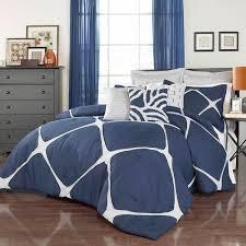 Queen Comforter On King Bed Best 25 Oversized King Comforter Ideas On Pinterest King