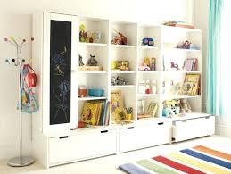 but chambre bébé etagere chambre enfant rangement etagere livre enfant stuva