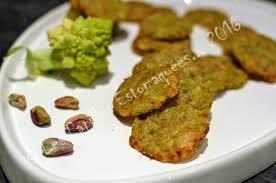 comment cuisiner le chou romanesco tuiles de chou romanesco au parmesan et à la pistache les papilles