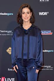 LENA MEYERLANDRUT at 1live Krone Awards 2018 12062018 HawtCelebs