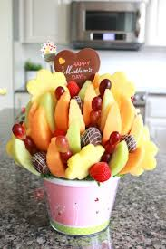 edible arrengments edible arrangements gift for s day budget savvy