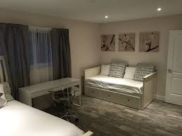 Pool Beds Furniture East Deerfield Tropical Paradise 4 Beds 3 Vrbo