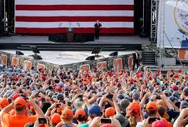Glen Eagle Secretary Desk by Donald Trump U0027s Politicised Address To American Boy Scouts Didn U0027t