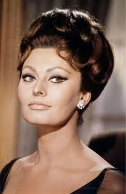 italian domme in hair curlers best 25 sophia loren makeup ideas on pinterest sophia loren