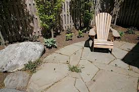 Irregular Stone Patio Pennsylvania Bluestone Irregular Stone Flagging Stand Up