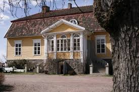 why are houses in scandinavian towns all painted different colors