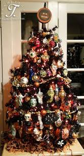 don t you this 4 foot black tree of ornaments