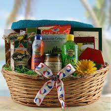 summer gift basket best 25 summer gift baskets ideas on summer gifts