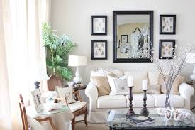 How To Decorate Living Room Walls by Best 25 Living Room Wall Decor Ideas Only On Pinterest Living