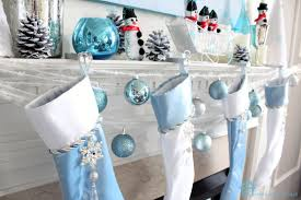 Images Of Blue Christmas Decorations by Remodelando La Casa Blue Christmas Mantel