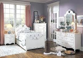 chambre romantique avec chambre avec meuble blanc chambre romantique avec murs bleus et