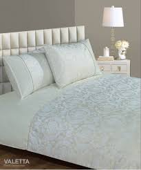 cream colour modern jacquard damask stylish bedding duvet quilt