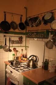 tringle de cuisine barre de cuisine pour gagner de la place dans votre cuisine